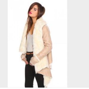 Unif Chelsea camel shearling coat